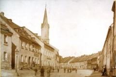 Foto der Gefreeser Hauptstraße kurz nach dem Wiederaufbau nach dem Stadtbrand 1872 (Nachlass Hans Hoffritz)